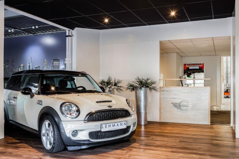 Mini dealer showroom